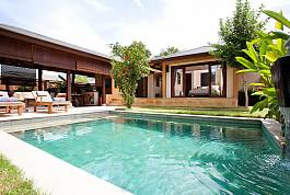 Luxurious Villa with Private Swimming Pool and Bali Design.