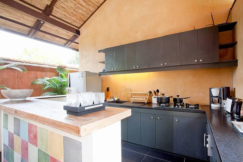 Kitchen_villa-suay_2-bedroom_private-pool_klong-nim-beach_koh-lanta_phuket_krabi_thailand