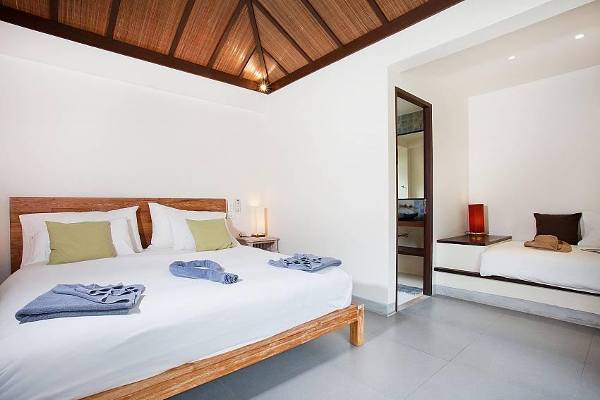 Main Bedroom_villa-suay_2-bedroom_private-pool_klong-nim-beach_koh-lanta_phuket_krabi_thailand