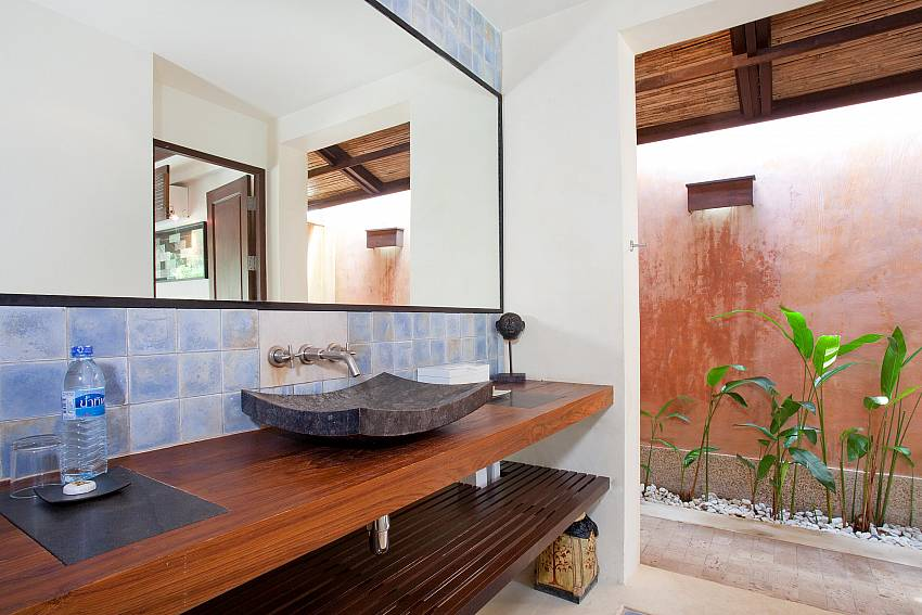 Al fresco Bathrooms_villa-suay_2-bedroom_private-pool_klong-nim-beach_koh-lanta_phuket_krabi_thailand