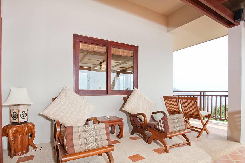 Terrace Seating_baan-daeng_2-bedroom-villa_sea-viewsharted pool_ba-kangtian_koh-lanta_thailand