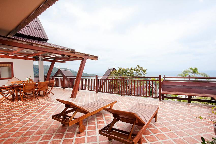 On Top of the World_baan-kiaow_2-bedroom-villa_shared-infinity-pool_sea-views_ba-kantiang_koh lanta_thailand
