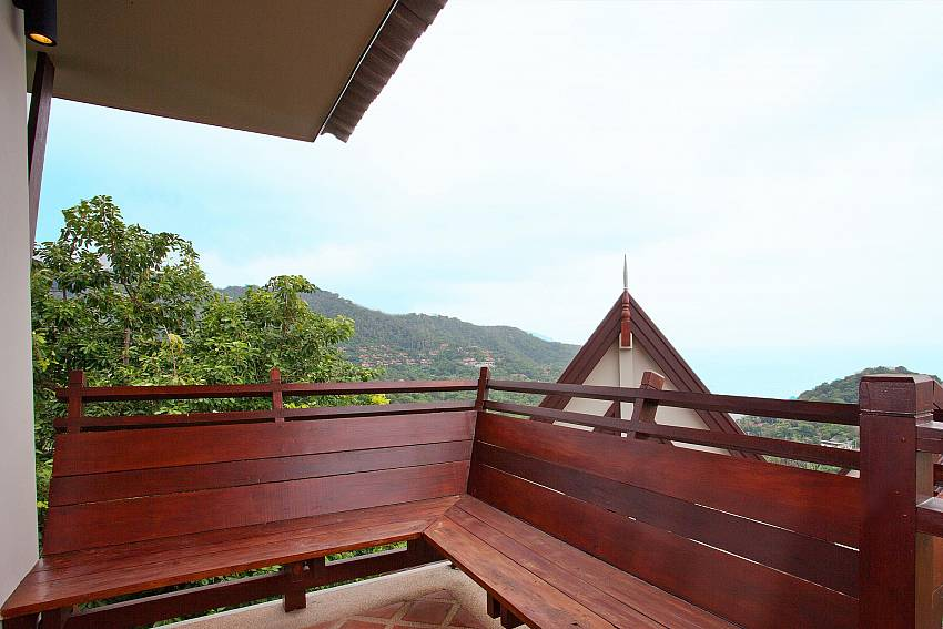Delightful Views_baan-kiaow_2-bedroom-villa_shared-infinity-pool_sea-views_ba-kantiang_koh lanta_thailand