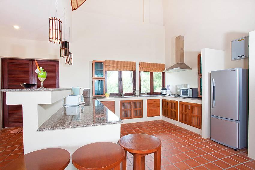 Large Kitchen_baan-gaan_2-bedroom-villa_shared-infinity-pool_sea-views_ba-kantiang_koh lanta_thailand