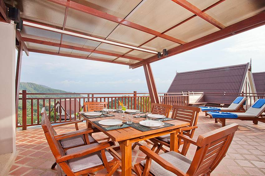Al Fresco Dining_baan-gaan_2-bedroom-villa_shared-infinity-pool_sea-views_ba-kantiang_koh lanta_thailand
