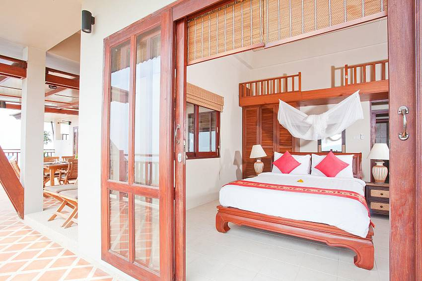 Bedroom 1_baan-som_2-bedroom-villa_shared-infinity-pool_sea-views_ba-kantiang_koh lanta_thailand