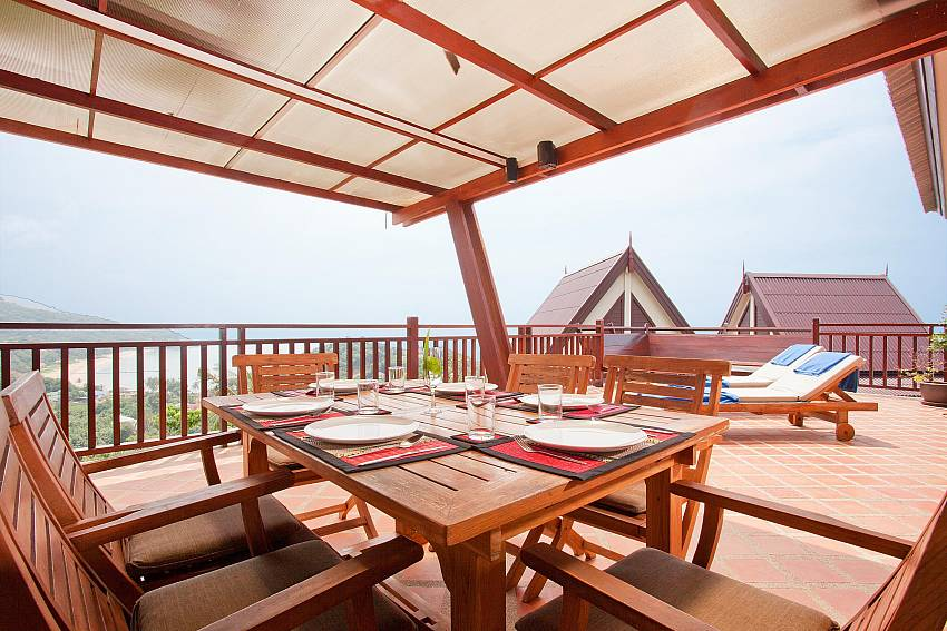 Al Fresco Dining_baan-som_2-bedroom-villa_shared-infinity-pool_sea-views_ba-kantiang_koh lanta_thailand