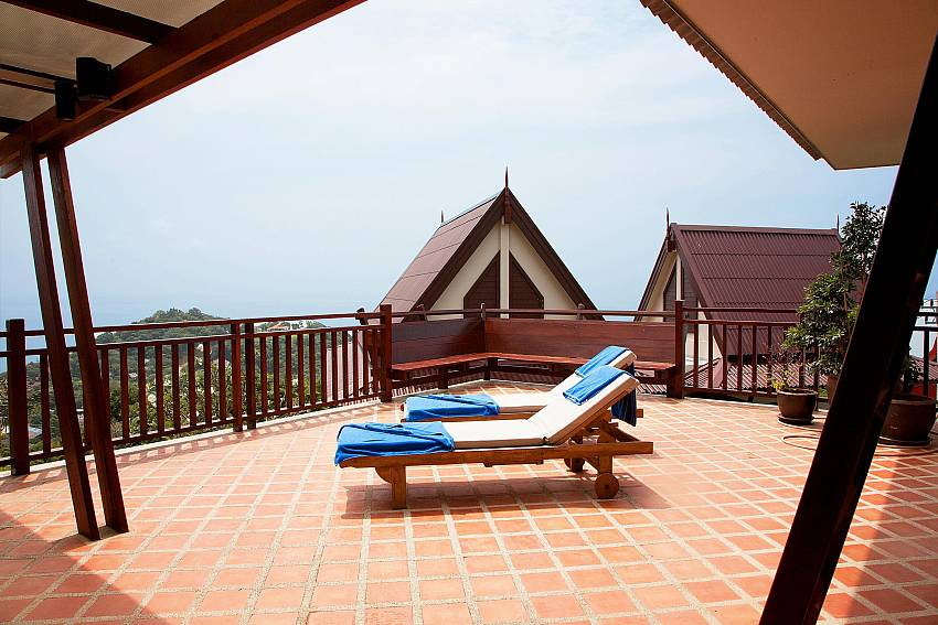 The Terrace_baan-som_2-bedroom-villa_shared-infinity-pool_sea-views_ba-kantiang_koh lanta_thailand