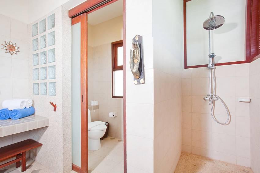 Bathroom Of Baan Ruang