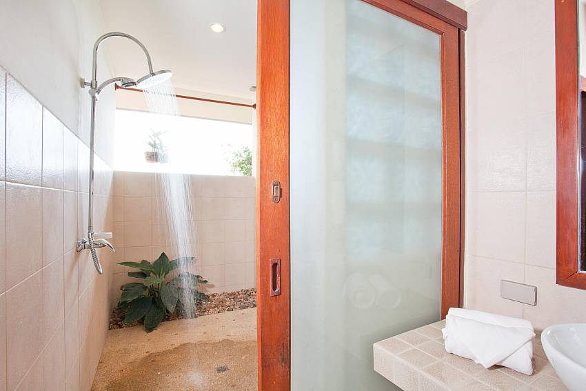 Shower design Of Baan Ruang