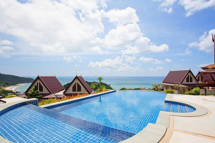 Infinity Pool Of Baan Ruang