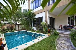 Elegant Villa with Garden and Swimming Pool in Pattaya