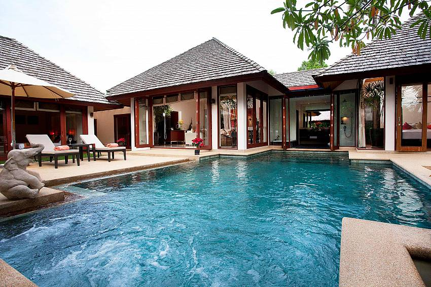 Private Pool Jacuzzi seating_bang-tao-bali_3-bedroom-villa_private-pool_bang-tao_phuket