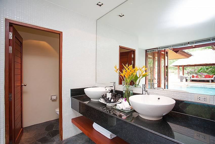 Master bathroom with 2 wash basins at Bang Tao Bali Villa Phuket