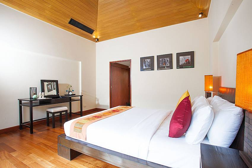 2. bedroom with king size bed at Bang Tao Bali Villa Phuket