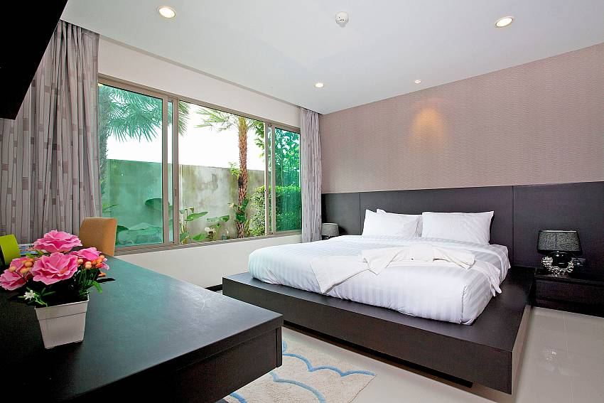 Bedroom_kamala-chic_1-bedroom-apartment_shared-pool_kamala-beach_phuket_thailand