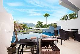 Veranda swimming pool with dinning overviewing Patong
