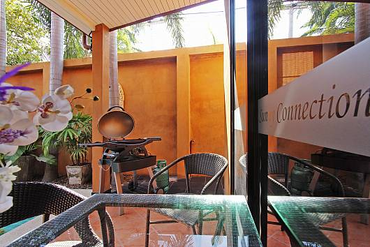 Rent Pattaya Villa: Sunny Villa, 4 Bedrooms. 7683 baht per night