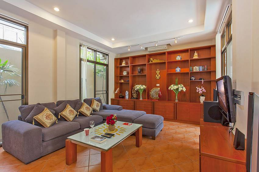 Comfortable sitting in the living room of Jomtien Sunny Villa Pattaya