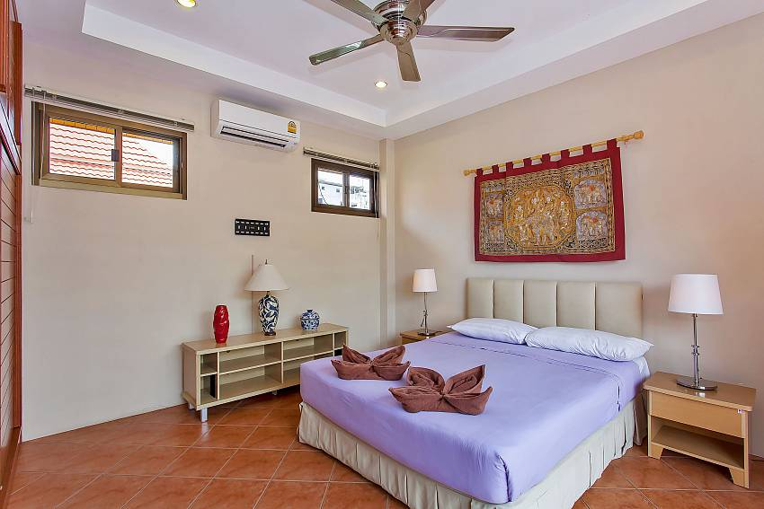 2. en-suite bedroom at the upper floor of Jomtien Sunny Villa Pattaya