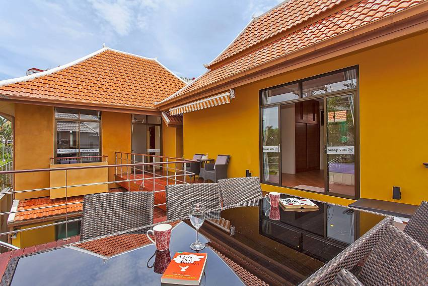 Outdoor dining on the terrace at Sunny Villa Jomtien Pattaya