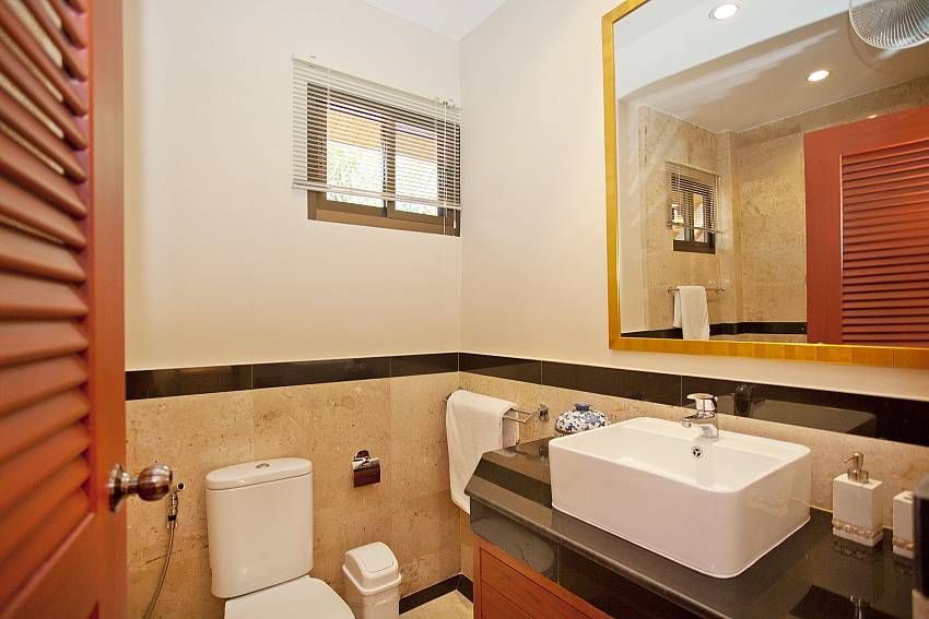 Private en-suite bathroom at Sunny Villa in Jomtien Pattaya