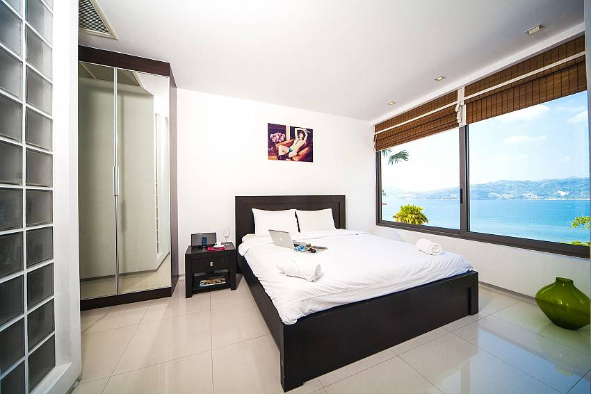 Bedroom views with wardrobe Of Seductive Sunset Villa Patong (Second)