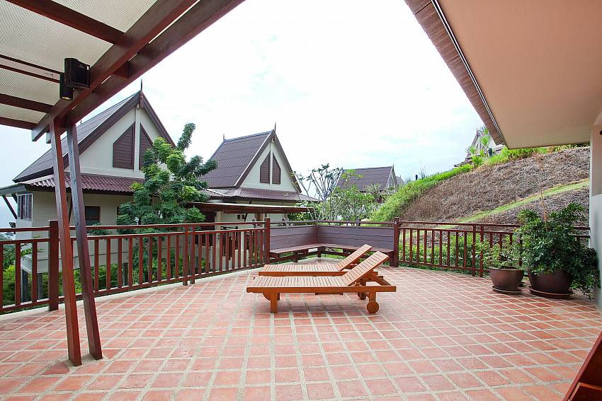 Sun-deck Of Baan Chompuu