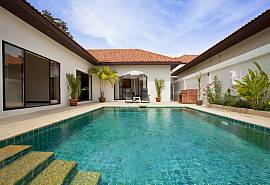 Insignia Villa | 2 Bed Holiday Home with Pool near Cosy Beach Pattaya
