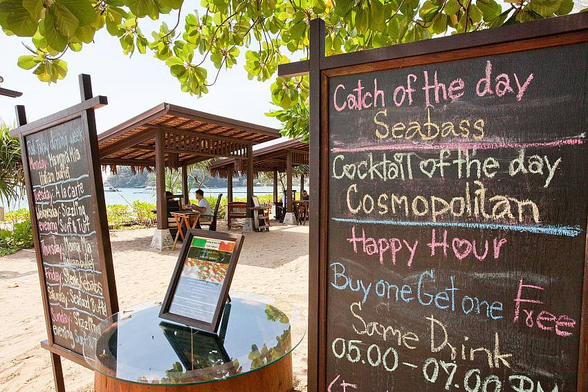 Beachfront restaurant Of Pimalai Beach Villa 1 Bedroom Luxury Property in Koh Lanta