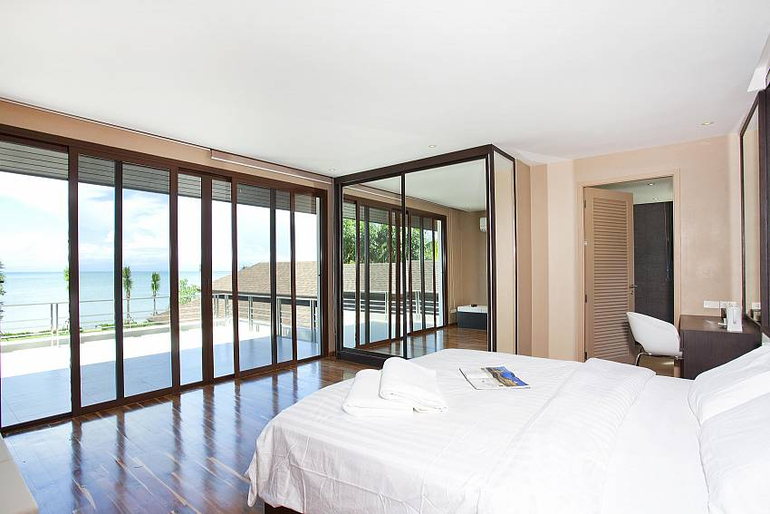 Bedroom see views with wardrobe and vanity Of Koh Chang Wave Villa A (Second)