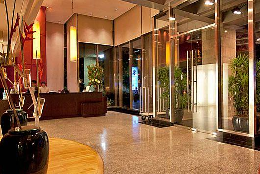 Снять апартаменты в Бангкоке: Sala Daeng Designer Suite Room 606, 2 Спальни. 8054 бат в день