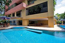 Luxury 1 Bedroom Apartment with Communal Pool and Facilities Silom Bangkok