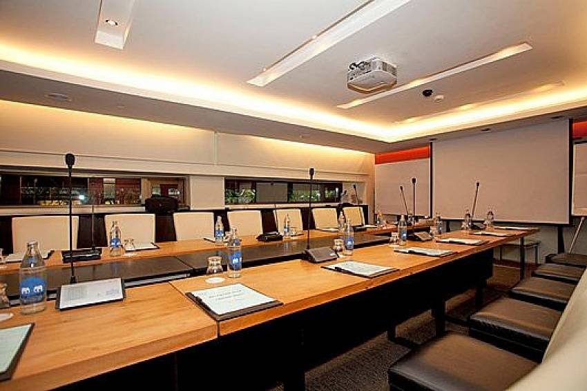 Meeting room Of Sala Daeng Deluxe Suite Room 1207
