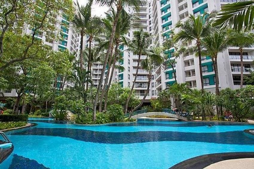 Swimming pool Of Sathorn Suite Room 7073