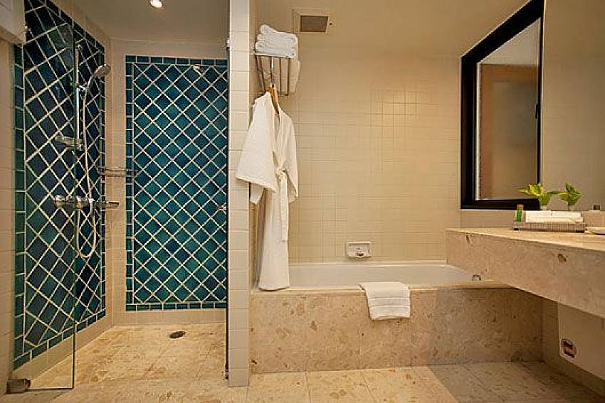 Shower design Of Sathorn Suite Room 7071