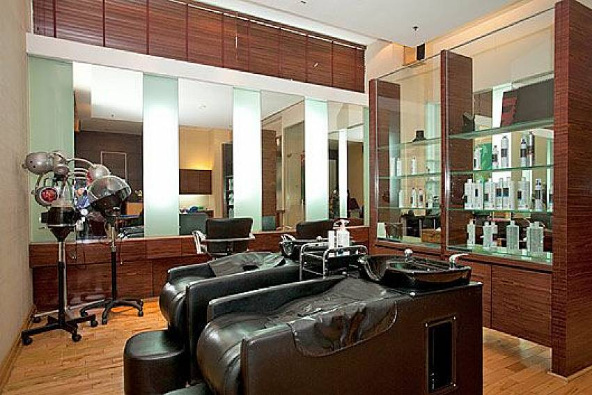 Beauty salon Of Sathorn Suite Room 7071