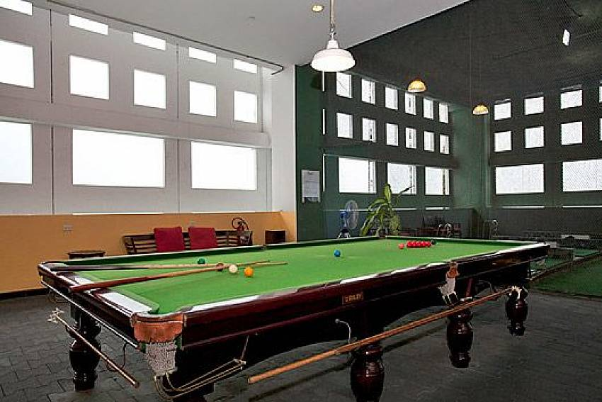 Snooker table Of Sathorn Suite Room 7071