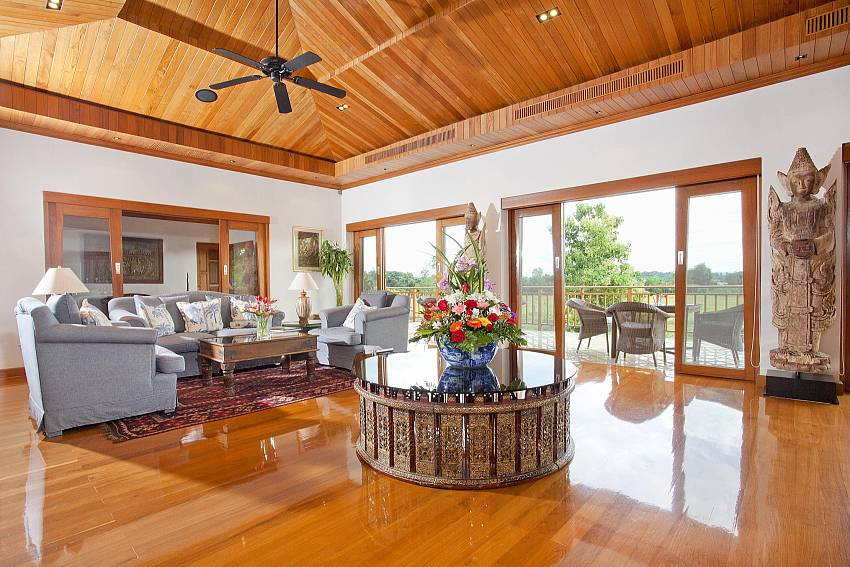 Living room see views Of Teak Villa Suandok