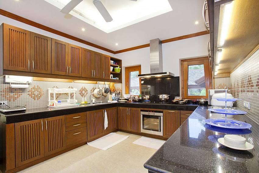 Kitchen room Of Teak Villa Suandok