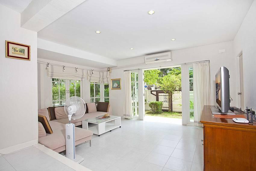 Living room see views Of Villa Bliss Jomtien Modern