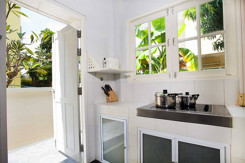 Cooking corner Of Villa Bliss Jomtien Modern