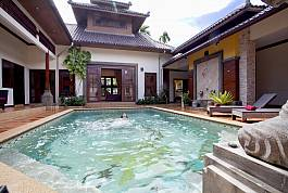 4Br Thai-Style Villa With Private Pool Garden And Peaceful Residential Estate