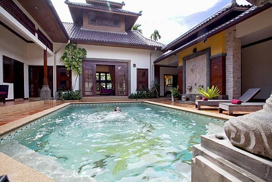 Rent Pattaya Villa: Asian Villa, 4 Bedrooms. 9465 baht per night