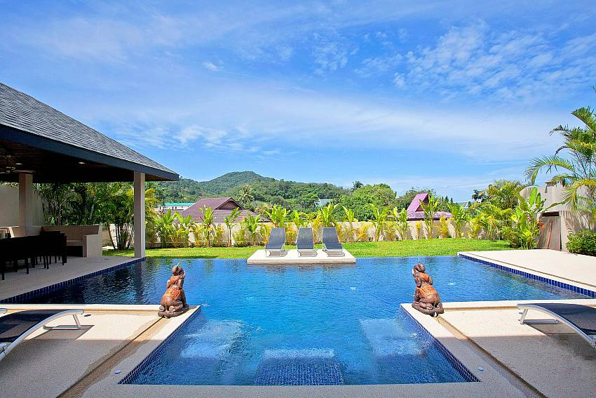 Swimming pool with naturally refreshing Of Villa Yok Kiao