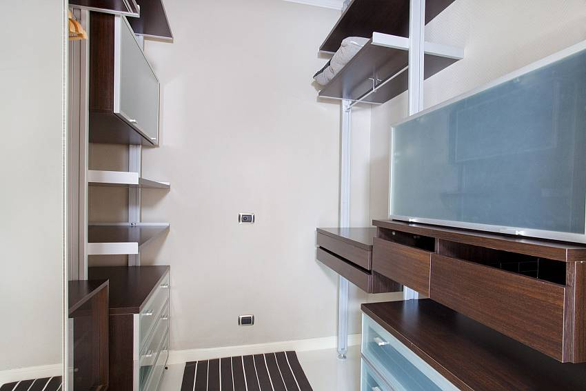 En Suite_pratumnak-regal_2-bed-villa_private-pool_private-estate_pattaya_thailand