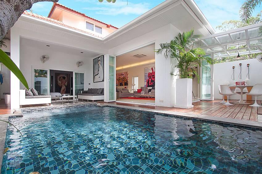 Everything you need for a fantastic holiday at Pratumnak Regal Villa Pattaya