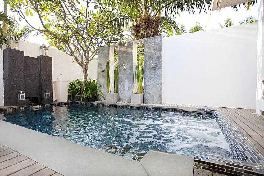 Full privacy at your own pool at Pratumnak Regal Villa in South Pattaya