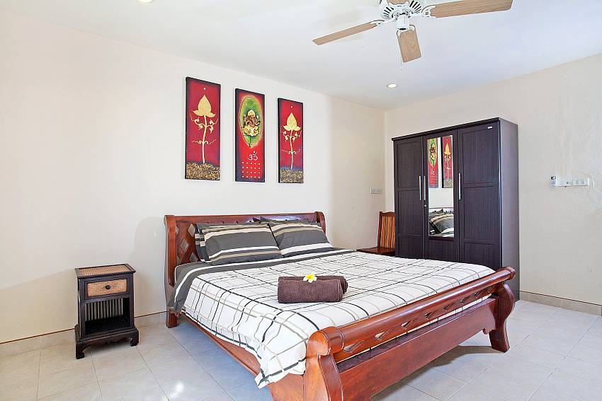 Bedroom with wardrobe Of Khao Talo Villa (Four)