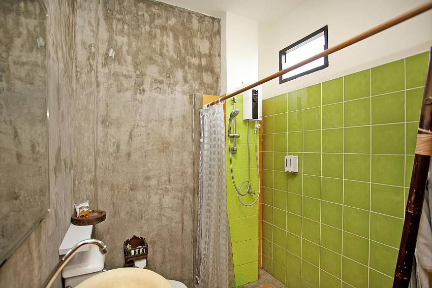 Shower with toilet Of Jomtien Lotus Villa